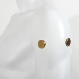 Aimants Thérapeutiques Medimag® Titanium Ø 25mm AURIS vue sur épaule